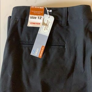 Old Navy Black Essential Stretch Capris 12